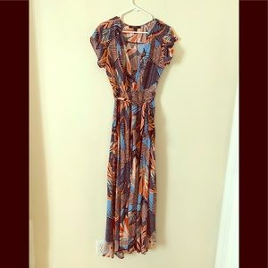 Forever 21 Contemporary Vibrant Maxi Dress size M